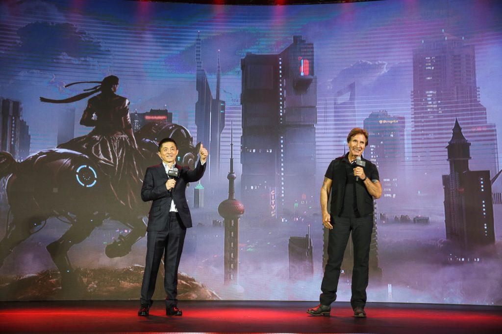 巴里·莱文与蔡公明先生一同介绍电影《钻石年代》